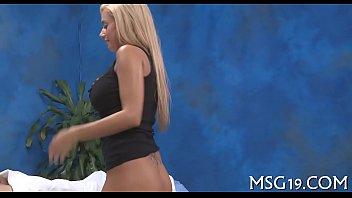 Slim blondie enjoys blowjib