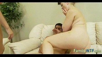 Сын трахает с ою мать и снимает на камеру