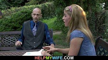 Жена трахается при муже с подругой