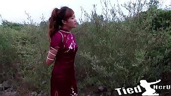 Girl bondage and sing -
