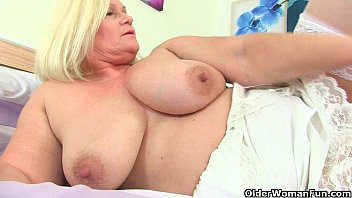 Смотреть порно з большими грудь