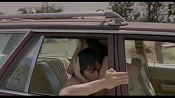 ممارسة الجنس مع أمي في السيارة