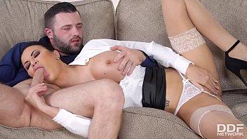 Curvy bombshell Jasmine Jae's big round boobs make erection problems vanish