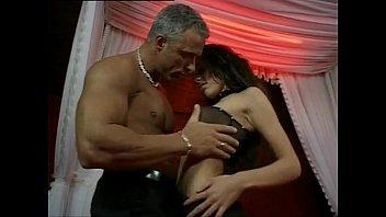 Русской красавице с большой грудью кончили в вагину