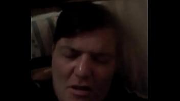 Gordo violin reza por su amigo moribundo