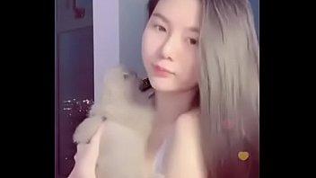 Uplive Việt Nam livestream khoe hàng cực hot