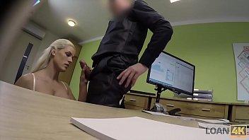LOAN4K. Negociando con la due&ntilde_a de la tienda de lencer&iacute_a desnuda