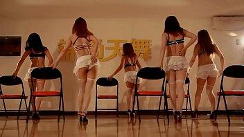 性感椅子舞(錦舞團提供)