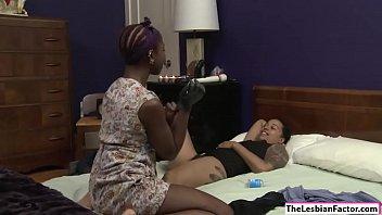 Ebony babe makes lesbian gf squirt