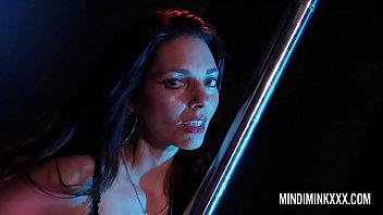 Mindi Mink and Sexy Vanessa intimate foreplay