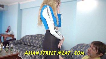Thai Ass สาวไทยขายตัวเย็ดแตกในอมควยฝรั่ง