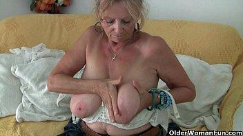 Фото голые старушки бабушки колготках
