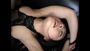 【巨乳美女中出し】巨乳美女がマンコをチンポで突いて突いて突かれまくり中出しされてしまう。