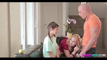 Порно видео сын с другом трахают мать