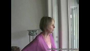 Сын подглядывал и трахнул мать