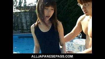 Teen cutie Momoko Tabata
