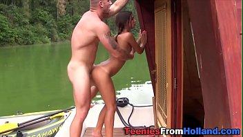Adolescente holandês cummed no barco