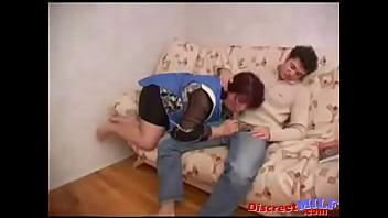 Русские эрелые жены делают минет домашнее