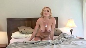 Mandy Karmella and Hunter Have A Sexy Lesbian Threesome