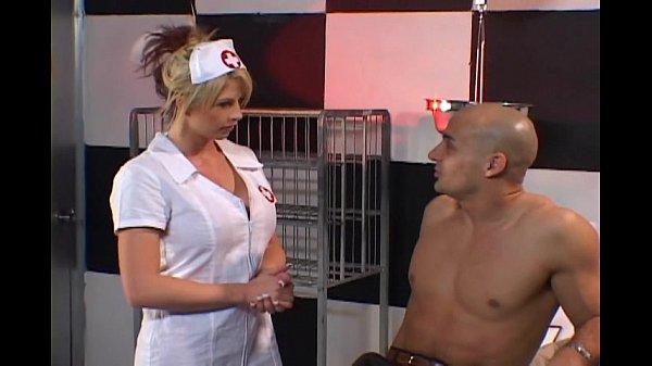 Порно красивая медсестра в белых чулках чулках видео