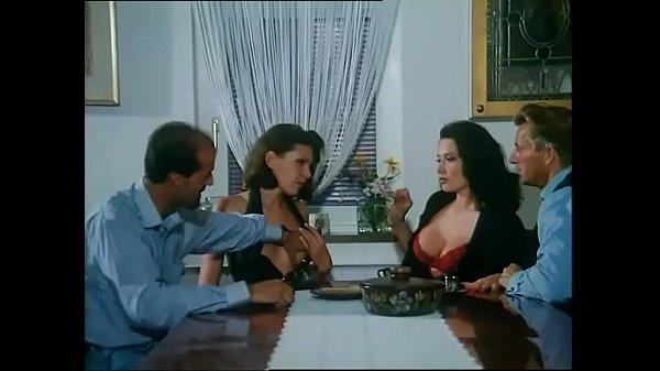 Порно видео bella