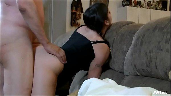 Graviduta Sexy E Fututa De Un Mos Care Ii Rupe Pizda