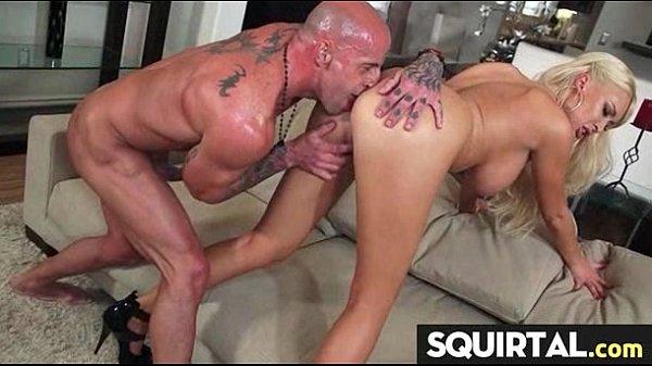 Настоящий женский оргазм от мастурбация
