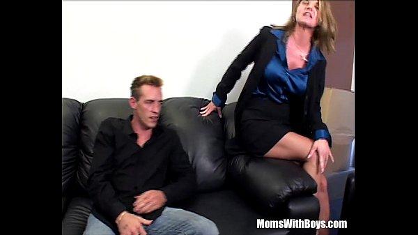 Блондинку зрелую вдвоем порно видео