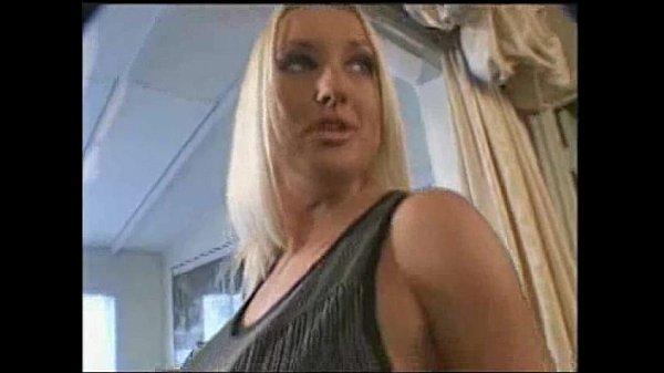 Волосатые красивые большегрудые домохозяйки смотреть сейчас онлайн