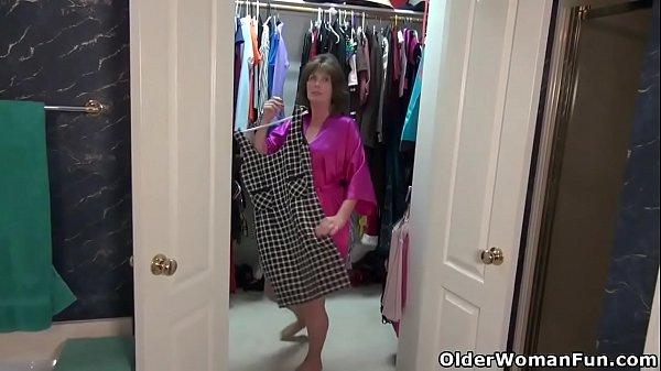 Смотреть порно ролики с участием мамочек