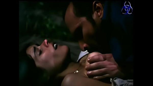 Gianella Neyra en escena de sexo