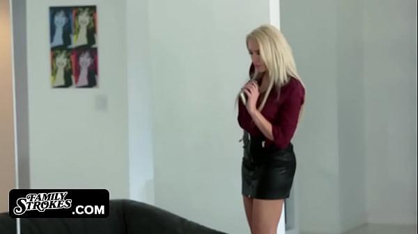 Порно по русски сестра дрочит брату