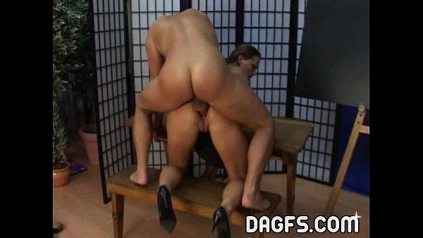 Порно девушки с анальними пробками кончають