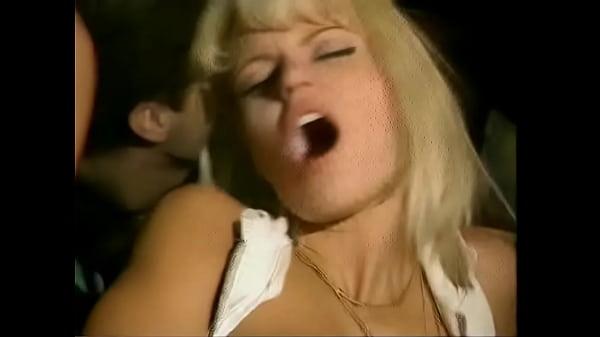 Жесткий анальный секс с анитой блонд
