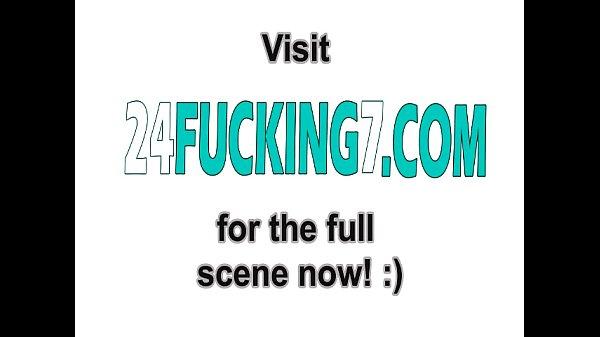 Девушка дрочит себя перед веб камерой