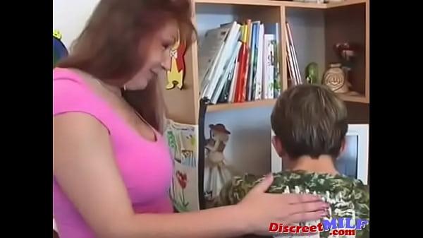 Сын трахнул маму перед работой