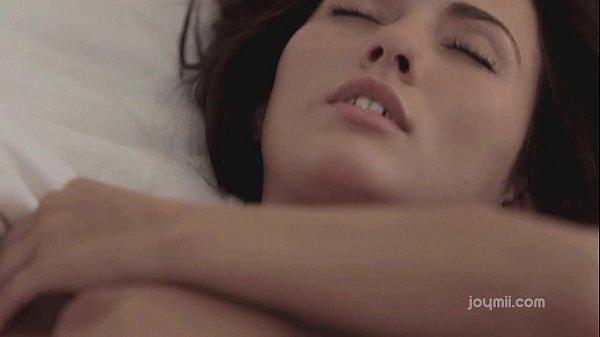 Смотреть порно сосать большую грудь