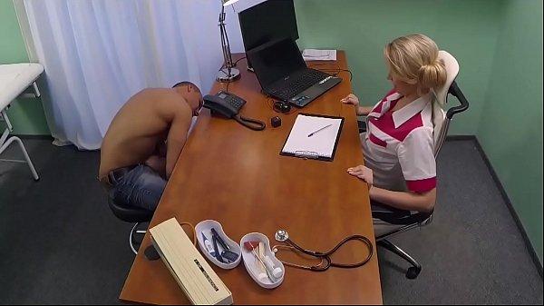 Порно с медсестрой скрытая камера