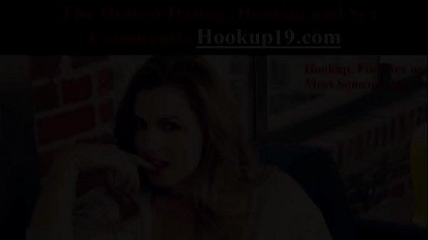 Молодая мама соблазняет своего сына порно