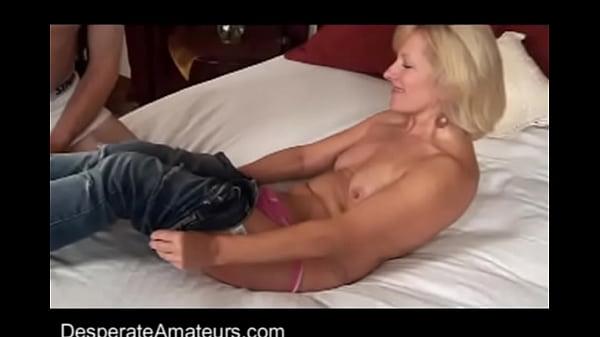 Мама раслабилась с друзьми порно