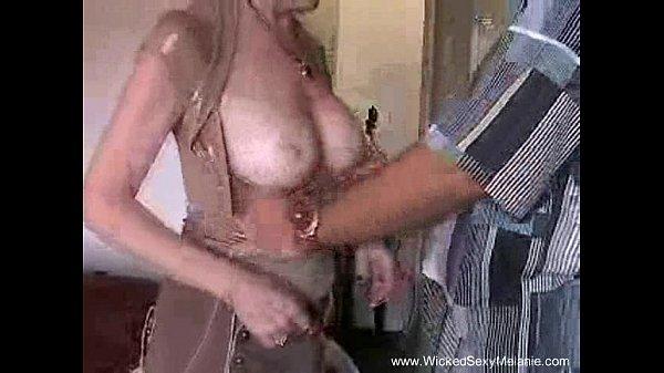 Старушка мама трахается с сыном