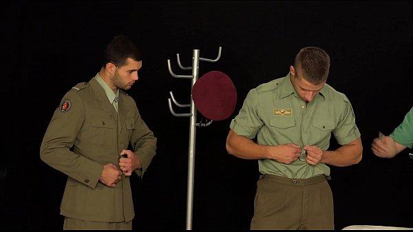 Военные врачи-геи
