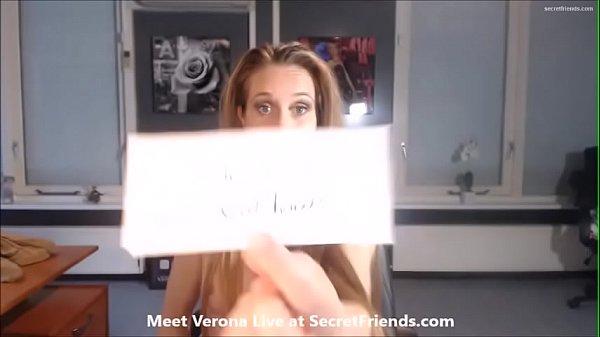 Verona vd Leur peels banana with her toes