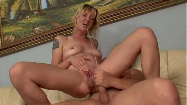 Видео госпожа нассала в рот