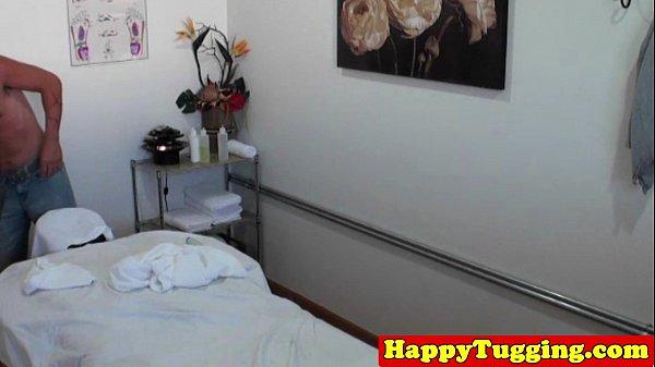 Asian handjob masseuse on spycam caught