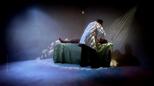 Порно пародия на фильм ужасов Крик