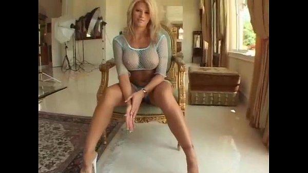 Большие сиськи в высоких ботфортах порно видео