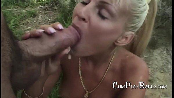 Порнозвезда реально кончила видео
