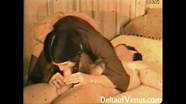 Видео две дамы и пареньиз попы сразу в рот