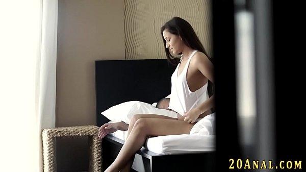 Moreninha deliciosa faz videos de sexo com namorado